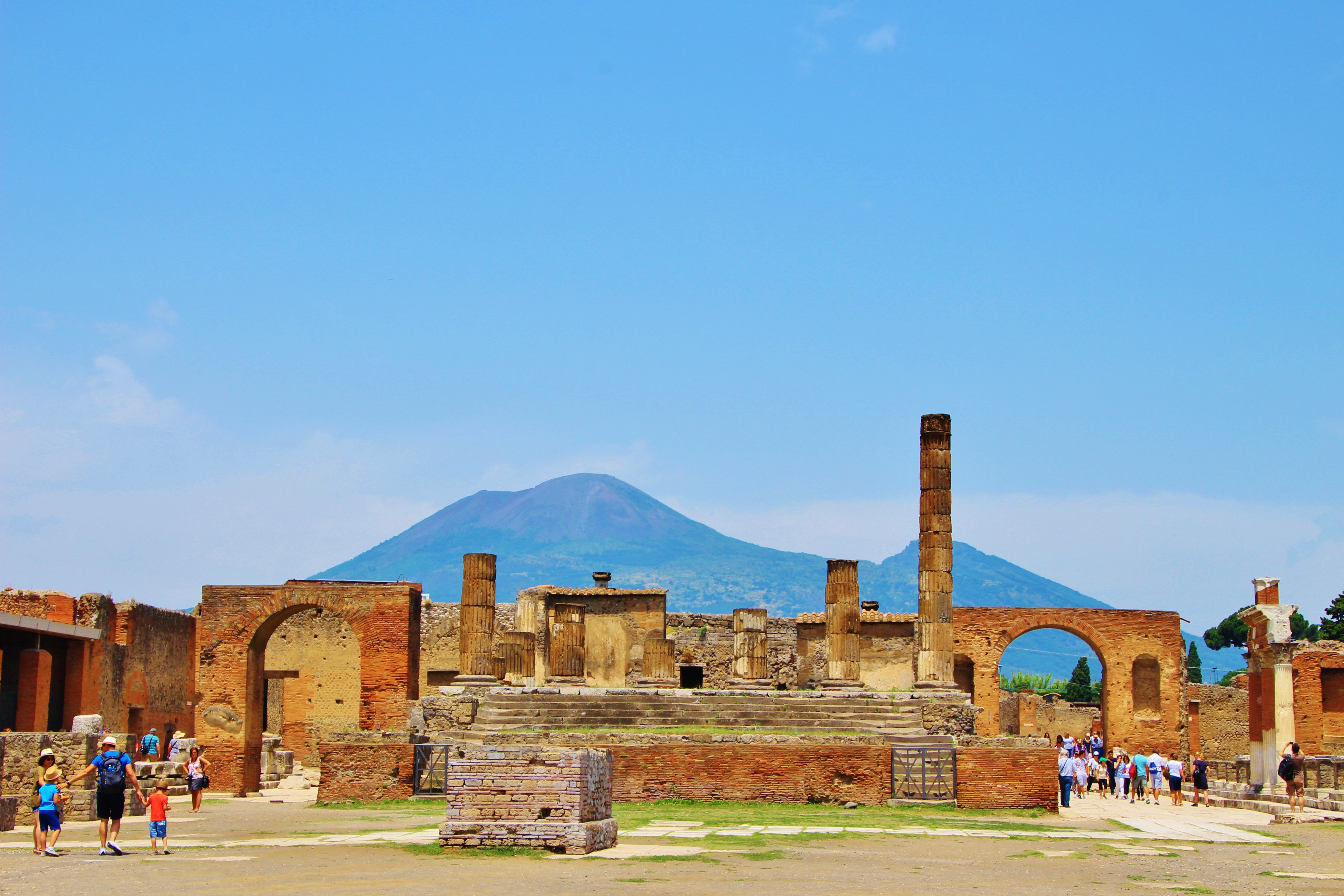 pompeii italy travel blog